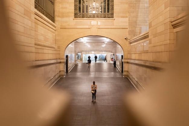 Concetto di censimento fotografato in un edificio cittadino