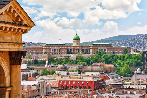 Центр будапешта, королевский замок будапешта, вид с базилики святого стефана. ангария.