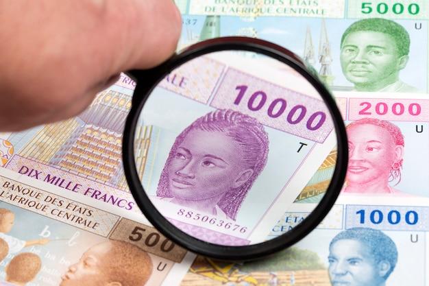Центральноафриканский франк кфа в увеличительном стекле