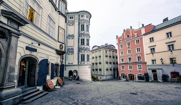 中心街と周辺の建築