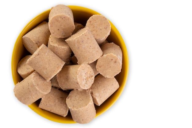Керамический контейнер со сладостями из арахиса, известный в бразилии как пашока.
