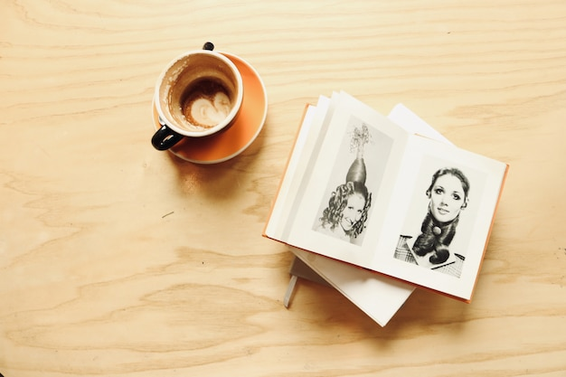 Ceramic cup with album