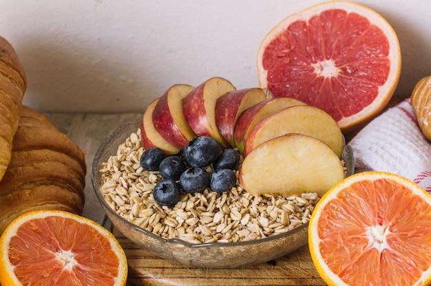 果実や柑橘類の穀物