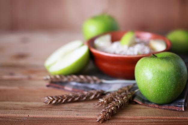 シリアル朝食りんご小穂