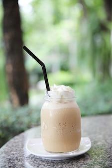 실론 차 우유