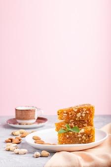 キャラメルメロンから作られた伝統的なトルコキャンディーcezerye