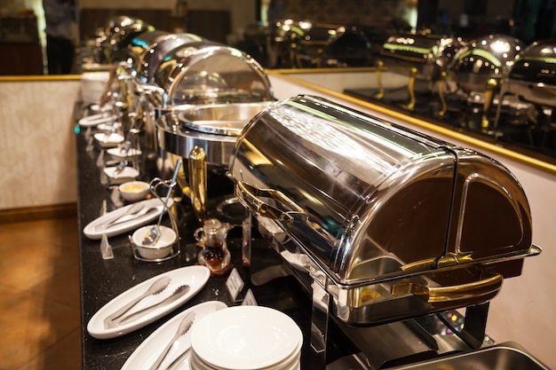 Chafing dish, silverware, kitchenware, tool, tableware and utensils