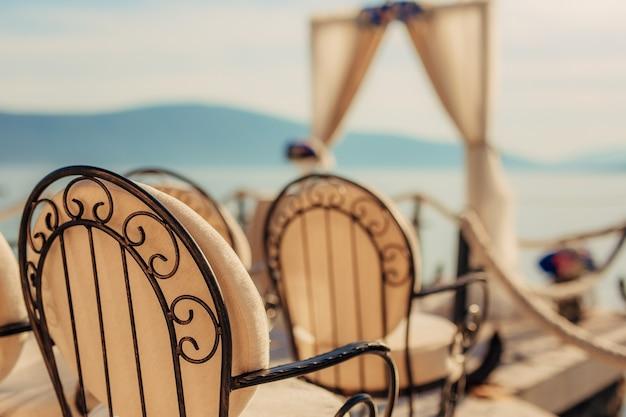 結婚式のための椅子
