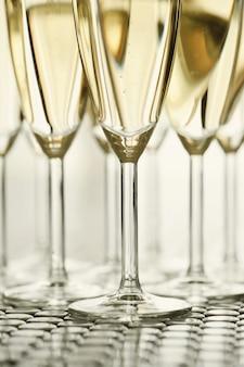シャンパン付きシャンパングラス