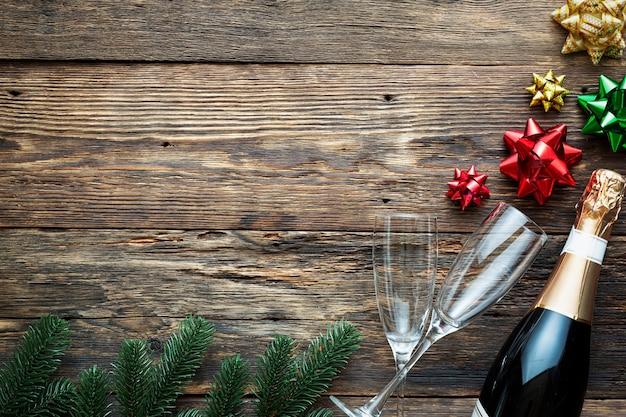 Шампанское с новым годом! рождественские и новогодние праздники
