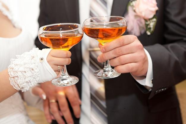 결혼식에 샴페인