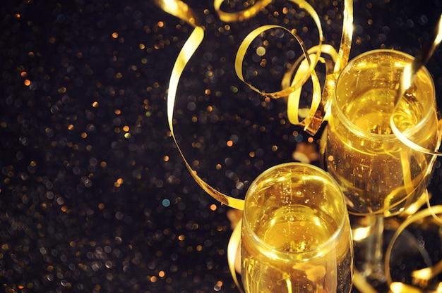 新年を迎える準備ができているシャンパン