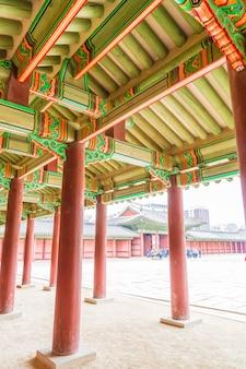 昌徳宮(チェジュクン)宮殿美しい伝統建築(ソウル)