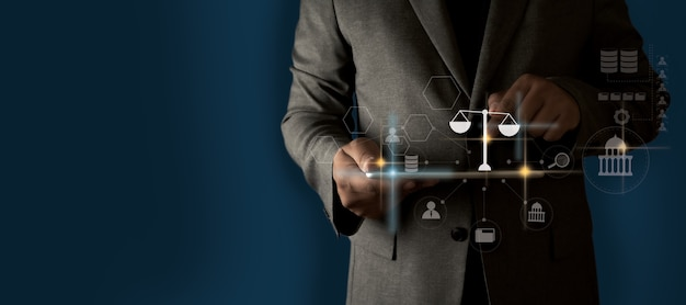 あなたの未来をアドバイスに変えるビジネスマンの碑文オンラインの法的アドバイス、労働法の概念