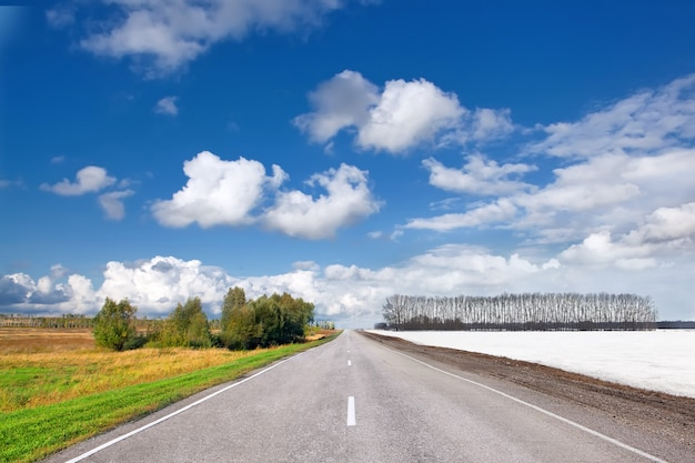 Смена сезона дороги летом и зимой