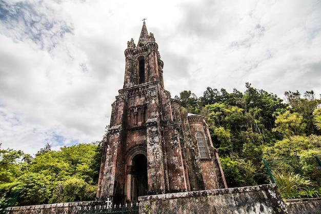 La cappella di nostra signora delle vittorie si trova a furnas, sull'isola dell'isola di sao miguel, nelle azzorre