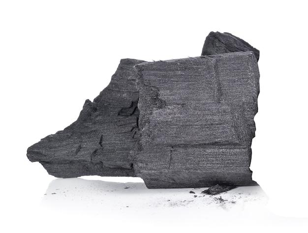 白い背景で隔離の木炭