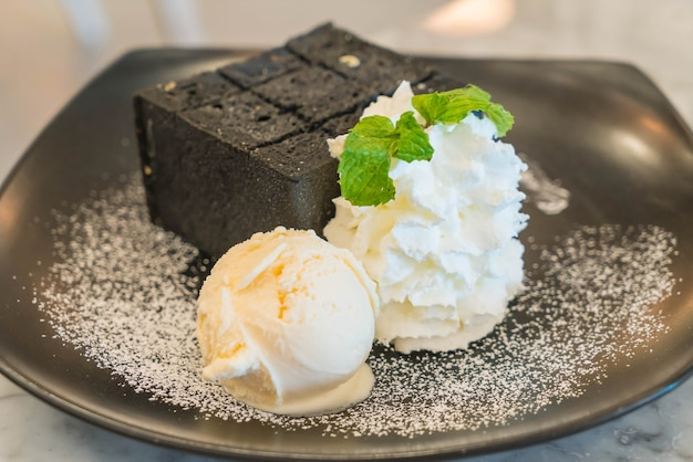 Charcoal toast with ice-cream