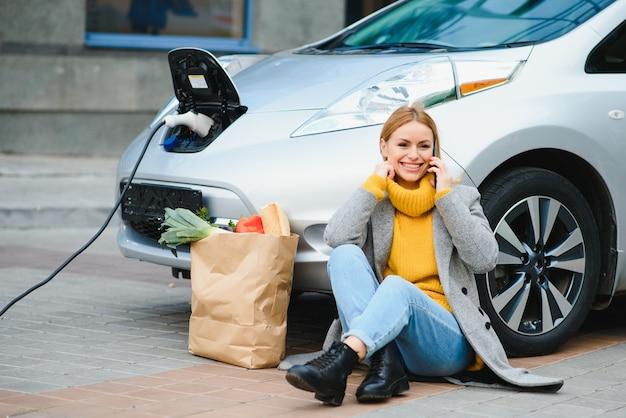 Зарядка электромобиля на азс