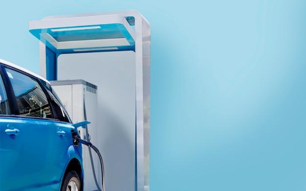 Зарядка электромобиля на станции зеленой энергии для автомобиля с синей темой с копией пространства (включая путь)