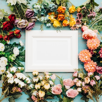 Cheerful flowers with white frame in the middle.