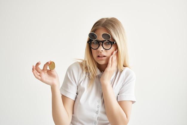 쾌활한 여성 상거래 인터넷 금융 투자 기술