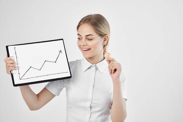 陽気な女性の通貨高仮想通貨経済技術