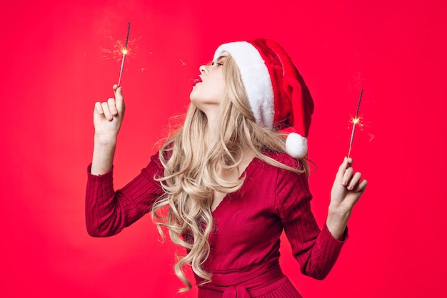 휴일 크리스마스 포즈 새 해 옷 패션에 쾌활 한 여자