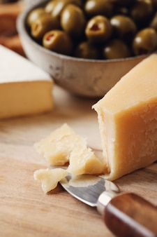 チーズとオリーブ