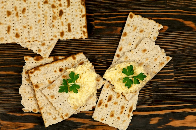 Cheese appetizer with garlic and matzo