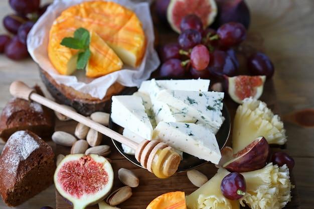 フルーツとナッツのチーズセット