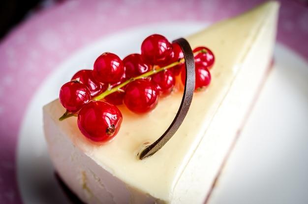 赤すぐりのチーズケーキ