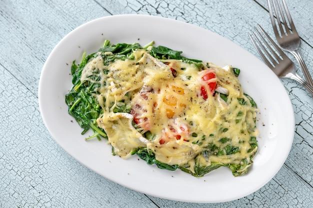 Сырные запеченные яйца