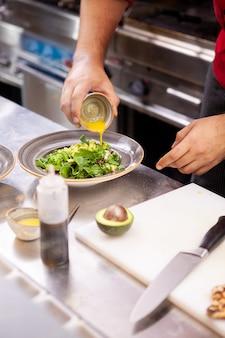 レモン汁のシェフ調味料サラダ、美味しい生鮮食品