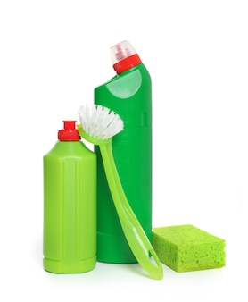 白い背景で隔離の化学洗浄用品