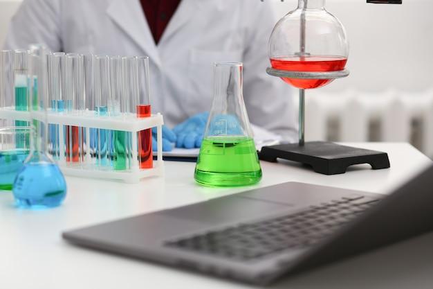 Лампа химической промышленности с синим пурпурным цветом