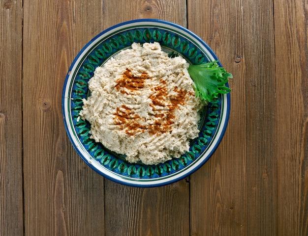 Cherkes tavugu 치킨 on the circassian in walnut sauce