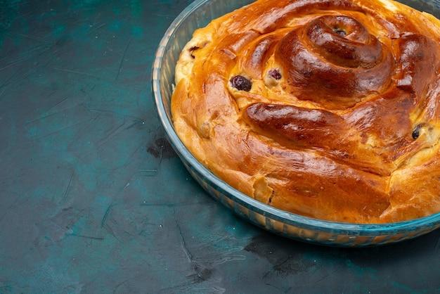 さくらんぼを中に入れて暗く焼き上げたチェリーケーキ、チェリーケーキのフルーツカラーを焼きます