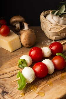 Cherry tomatoes and mozzarella skewers