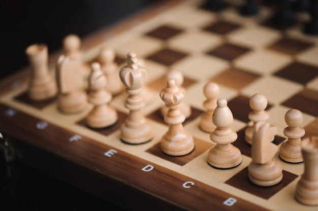チェスゲーム、騎士、チェスのボードビジネスコンセプト