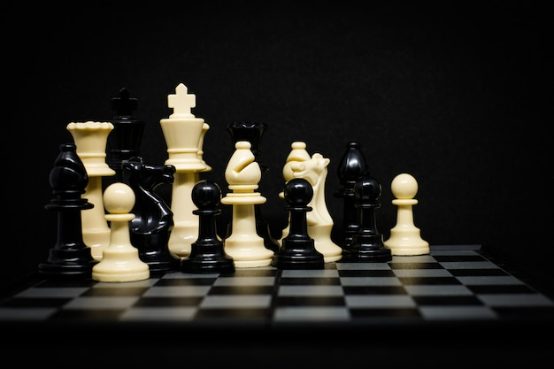 Chess (king, queen, horse, bishop and pawn)
