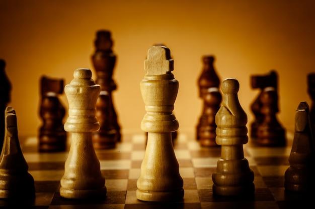 보드에 체스 조각