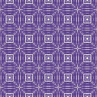 シェブロンストライプのデザイン。紫の対称的な万華鏡の背景。テキスタイル対応の著名なプリント、水着生地、壁紙、ラッピング。幾何学的なシェブロンストライプパターン。