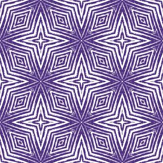 Дизайн полос шеврона. фиолетовый симметричный фон калейдоскопа. текстиль готовый свежий принт, ткань купальников, обои, упаковка. геометрический узор полосы шеврон.