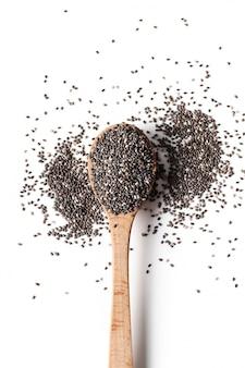 Семена чиа на деревянной ложке