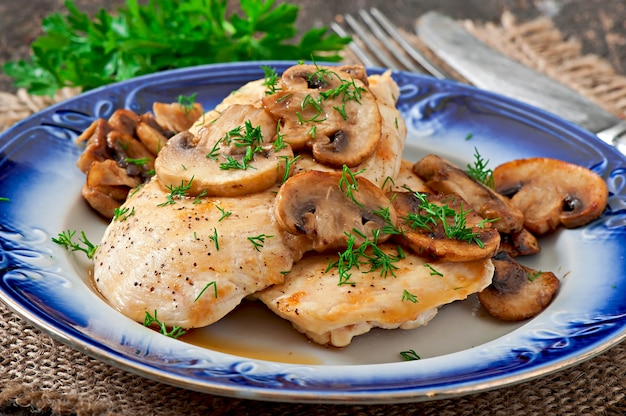 Chicken breast grilled with mushroom