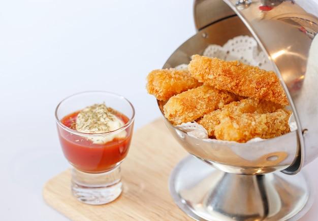 鶏むね肉とトマトソース