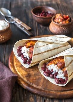 Куриные буррито с ингредиентами