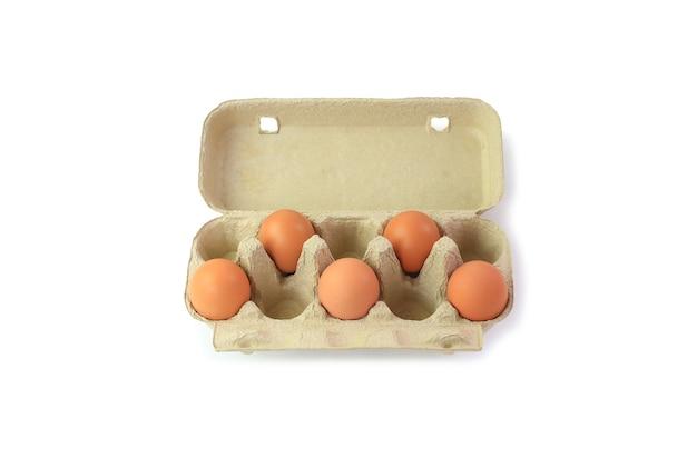 距離、社会的距離のある鶏卵。社会距離拡大の概念。クリッピングパスあり