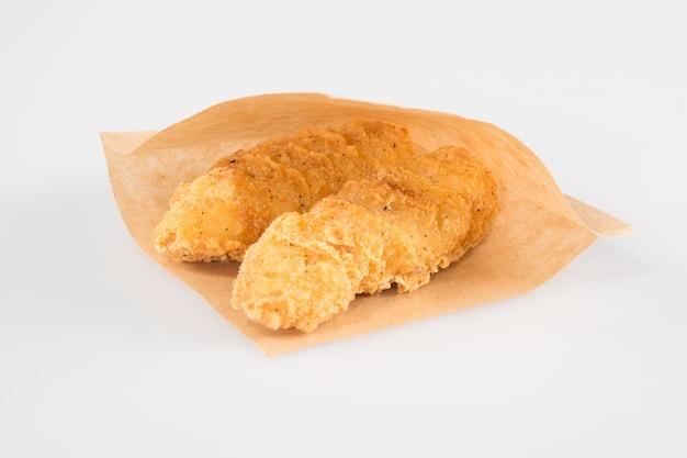 Курица, обжаренная в крафт-бумаге на вынос
